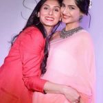 Sonam-Kapoor-with-Pernia-Qureshi