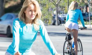 Hayley-Roberts-Hot-Cycling